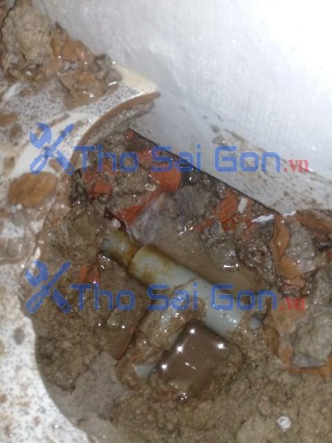 Xử lý ống nước bể âm –  Gây tốn tiền nước Tại quận 12