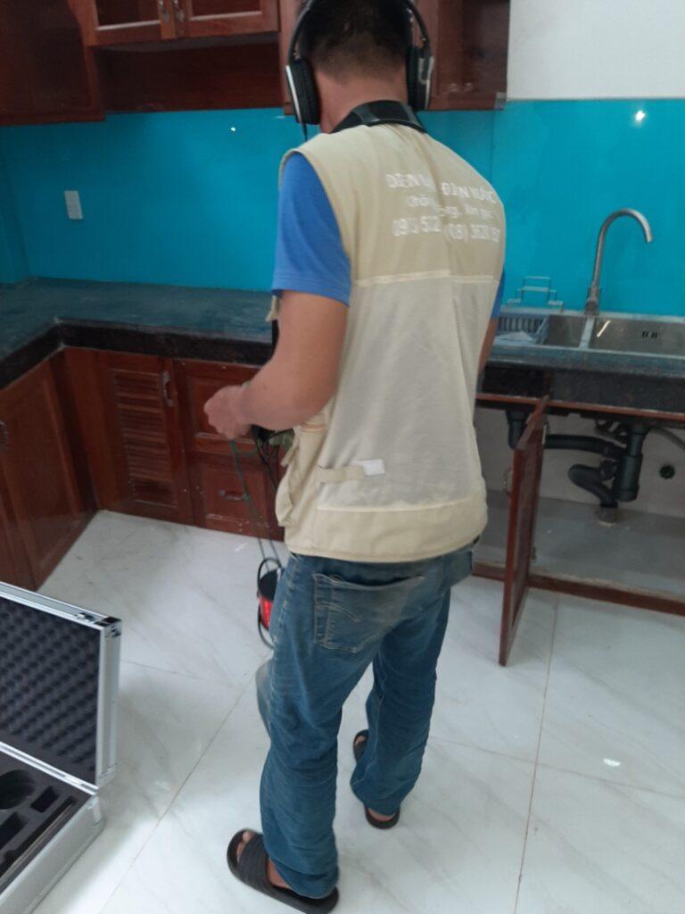 Thợ dò tìm rò rỉ nước, dò rò nước tại nhà, nhân viên dò nước, thờ dò rò rỉ nước